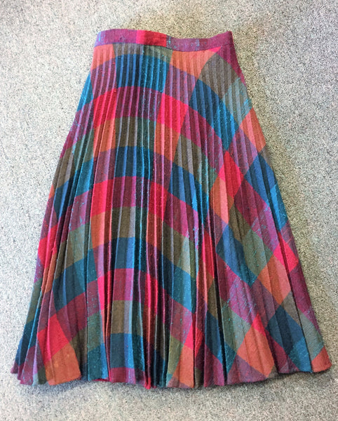 Vintage 1960's 1970's  Plaid Accordion Pleated Wool Flair Skirt