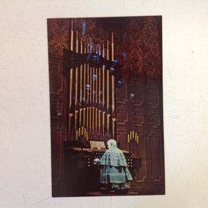 Vintage Walt Disney Productions Souvenir Color Postcard The Haunted Mansion Ghostly Organist Walt Disney World Florida
