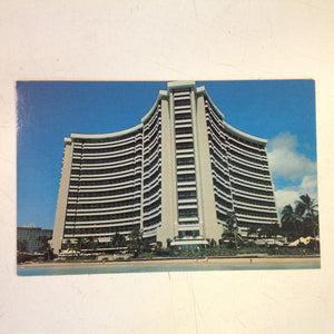 Vintage 1984 Color Postcard Sheraton Waikiki Hotel Honolulu Hawaii