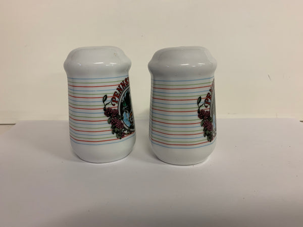 Vintage Souvenir Pennsylvania Salt and Pepper Set with Woodland Scene