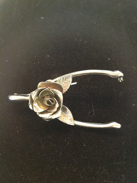 Vintage Silvertone Brooch Blooming Rose and Leaf Wishbone Setting
