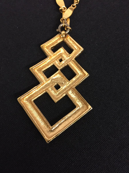 Vintage All Goldtone Pendant Necklace Retro 70's Unsigned