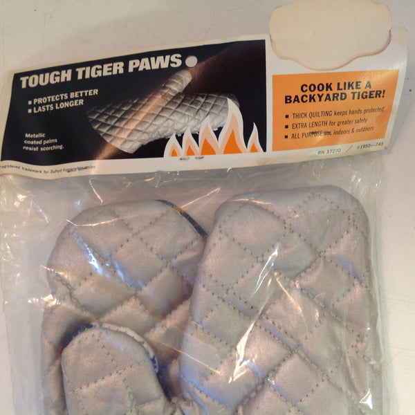 Vintage 1972 NOS Tiger Paw Barbecue Mitts Teflon Coated Palms Dupont