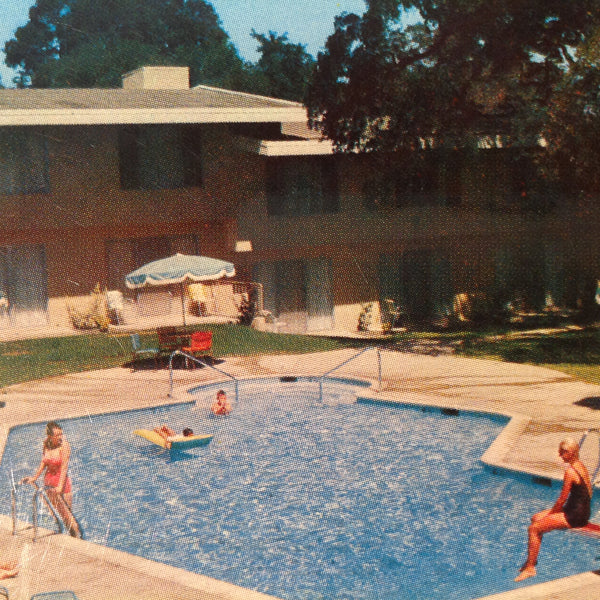 Vintage Color Mirro-Krome Postcard Maleville Lodge Poolside Sacramento California