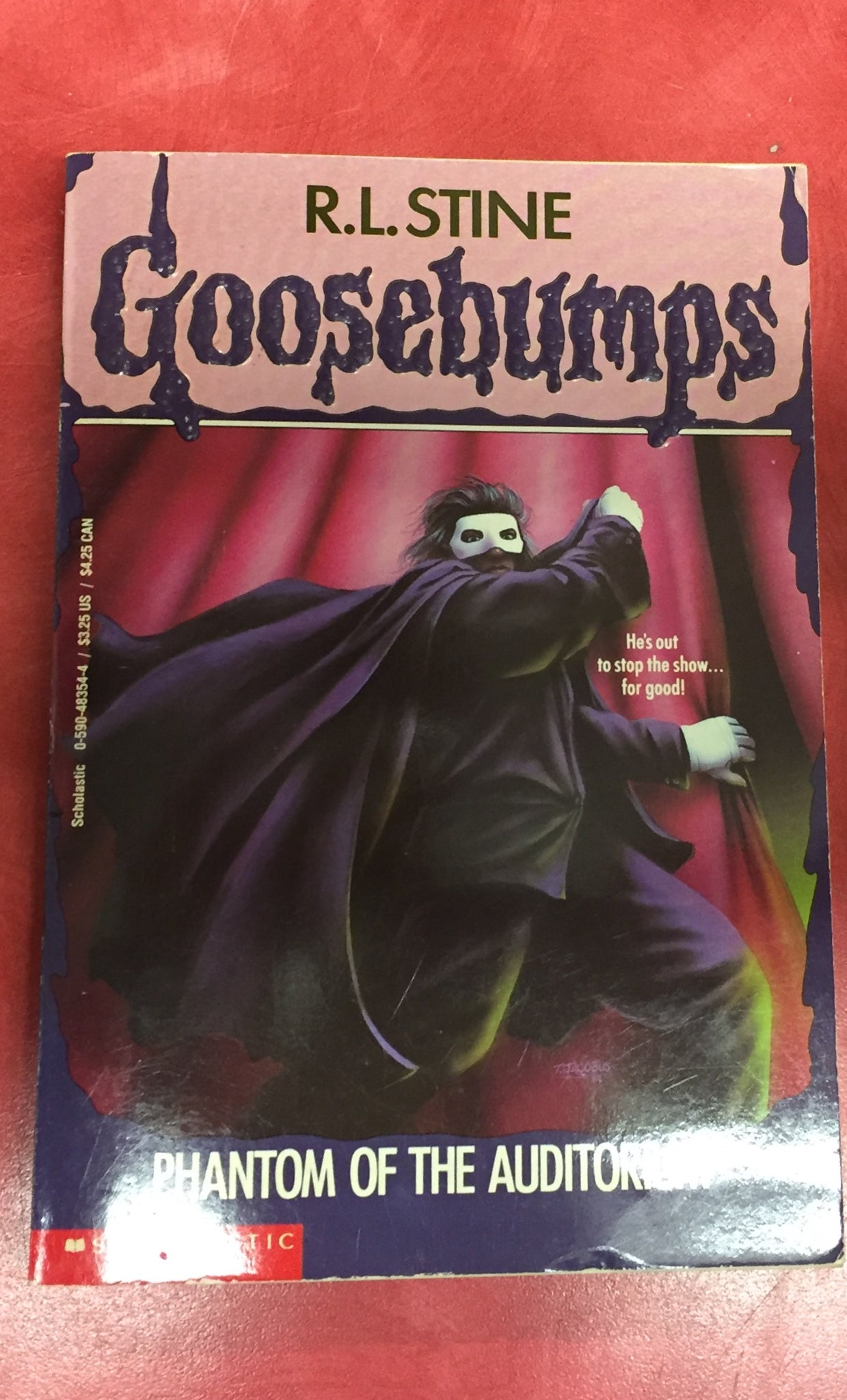 Goosebumps R. L. Stine Phantom of the auditorium Issue 24