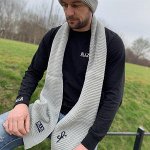SIX FIGURES Classic Knit Scarf