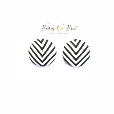 Black & White Chevron Print Earrings