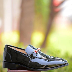 Dario Horsebit Loafer In Black Patent Leather