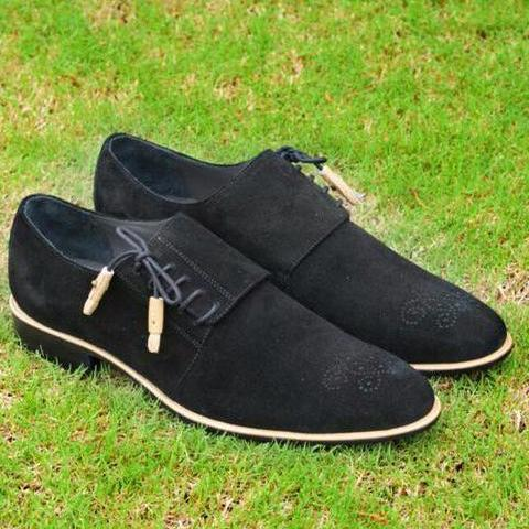 Tango in black suede