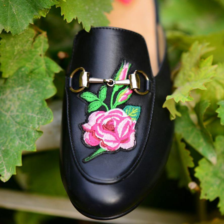 Zavi Embroidered Slipper
