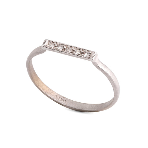 14k white gold ring with stripe white diamonds