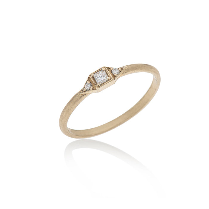 14K gold ring with 3 white diamonds - Goldy jewelry store