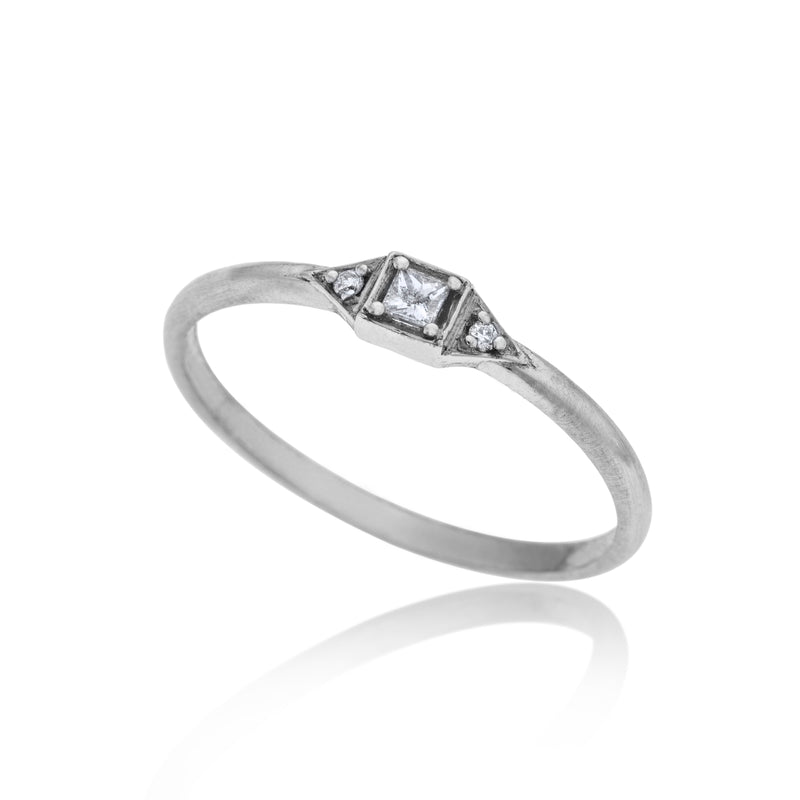 14K white gold ring with 3 white diamonds - Goldy jewelry store