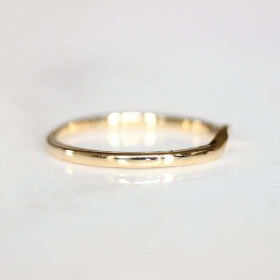 CONTOUR BAND, Gold Contour Wedding Band - Evorden