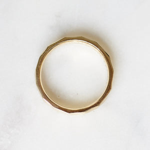 HAMMERED WEDDING BAND