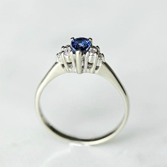 Blue Sapphire Vintage Engagement Ring - The Middelton Ring - Evorden