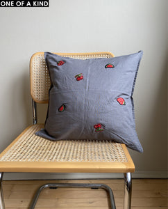 BERRY CUSHION SQUARE