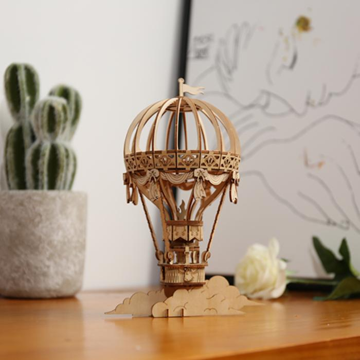 TG406, Modern Laser Cut: Hot Air Balloon