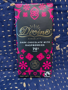 Divine Chocolate: Dark Chocolate with Raspberries 70%