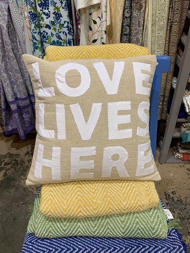 Pillow, Love Lives Here