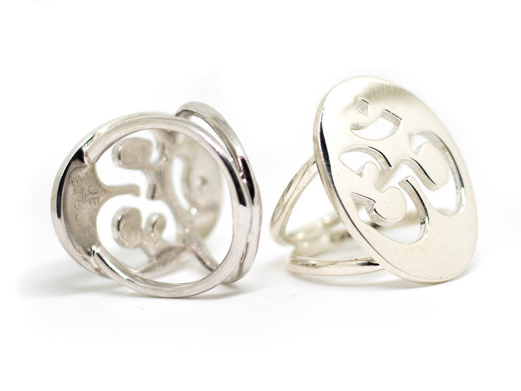 sterling silver goddess om ring by jen stock