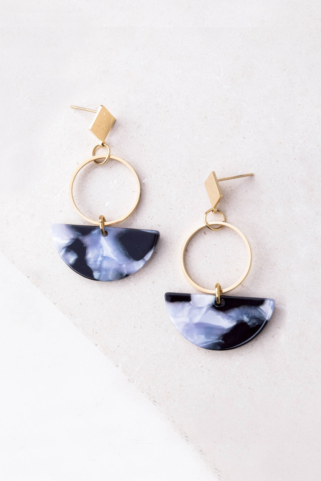 Ivy Gray Resin and Gold Dangle Earrings