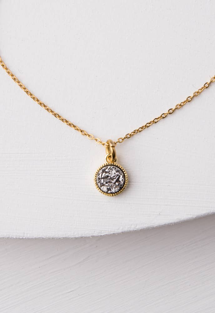 Shine Druzy and Gold Pendant Necklace