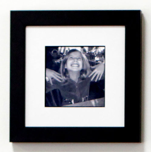 Black & White Frame with Designer Mat for 5x5 Image