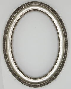 Presto #720 Silver Solid Wood Oval Frame