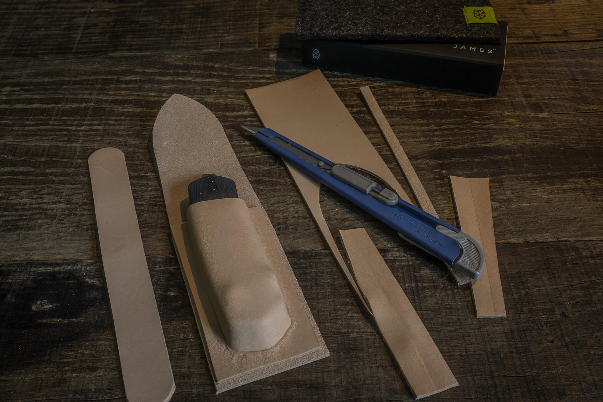 Cutting the other parts | Duke & Sons Leather