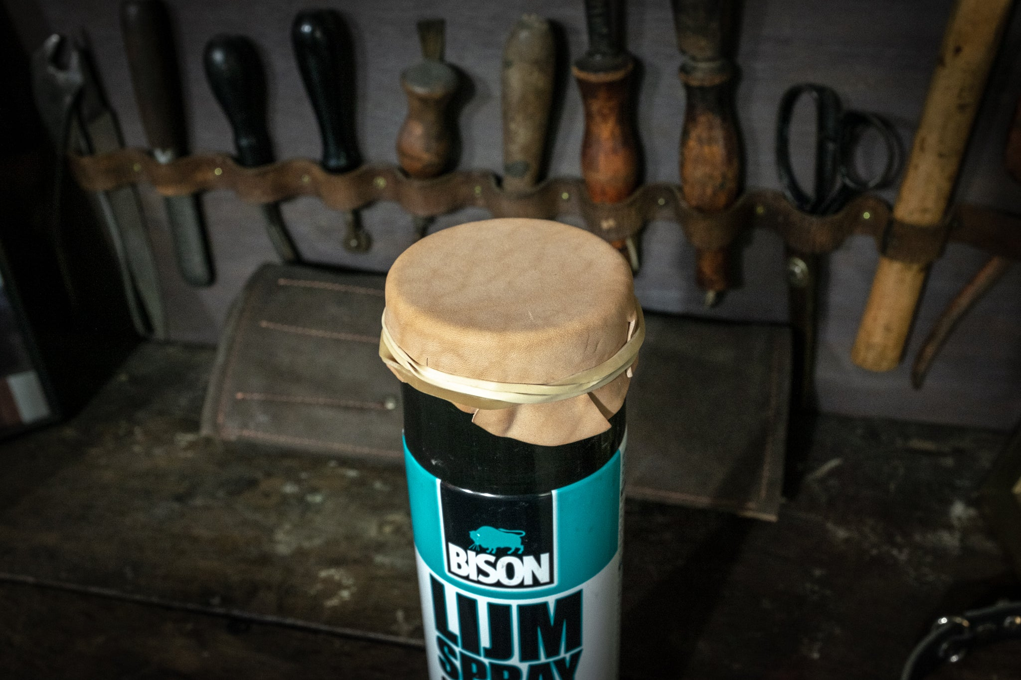 Making a grease pomade pincushion leather mold
