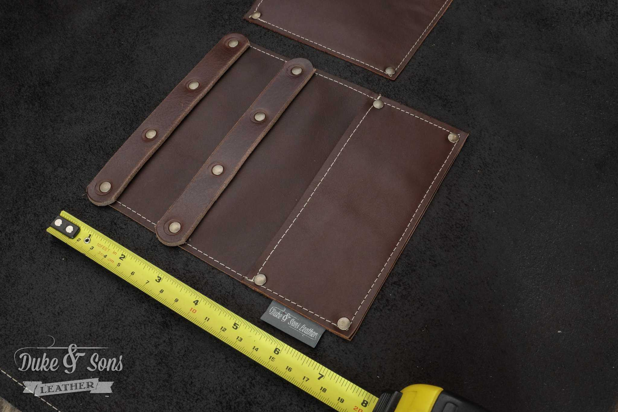 Barber apron, ready for 7 inch shears and combs. | Duke & Sons Leather