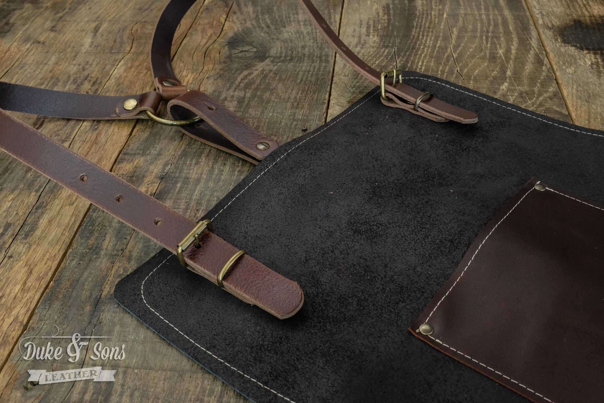 Barber apron, fully adjustable | Duke & Sons Leather