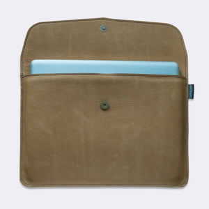 MacBook envelope sleeve, leather with padded lining, natural color - Duke & Sons Leather