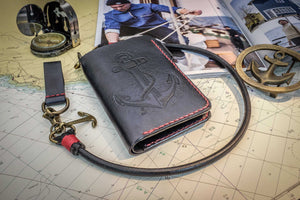 Wallet, with custom made leatherwork and bronze chain. - Duke & Sons Leather