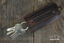 Key pouch, in full-grain distressed leather - Duke & Sons Leather