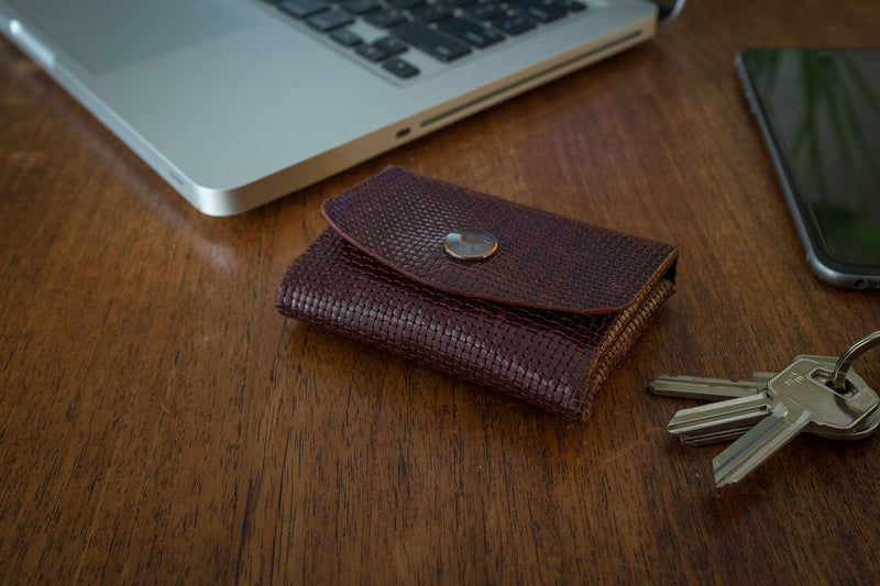 Pocket wallet, can hold cards, bills and coins (weave pattern leather) - Duke & Sons Leather