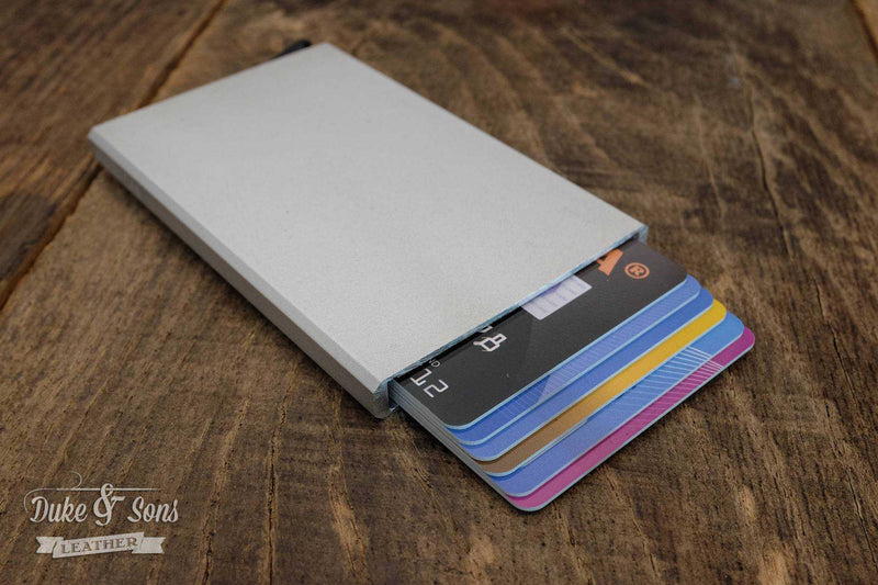 Card wallet, RFID safe with aluminum insert for 6 cards*. - Duke & Sons Leather