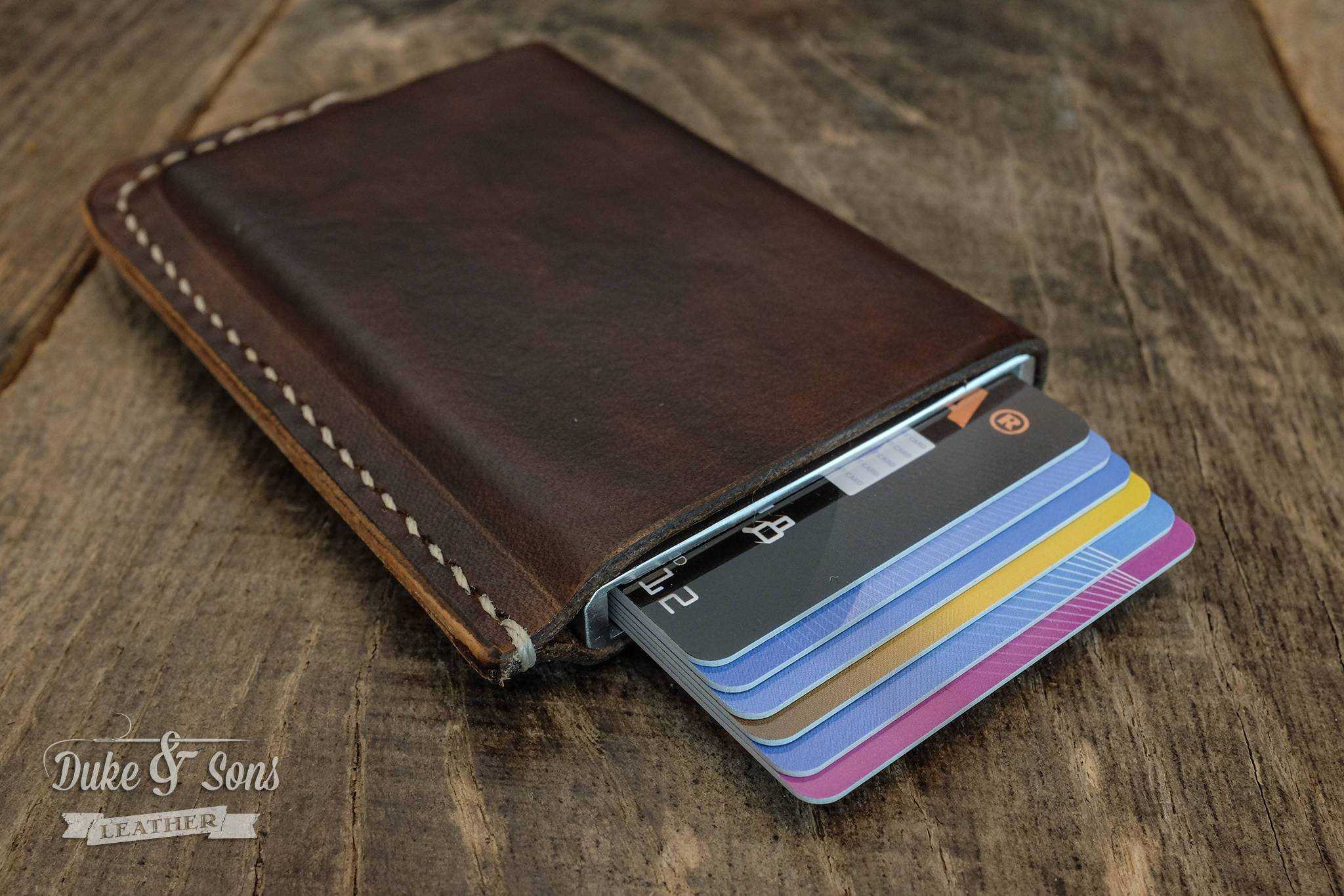 Card wallet, RFID safe with aluminum insert for 6 cards*.