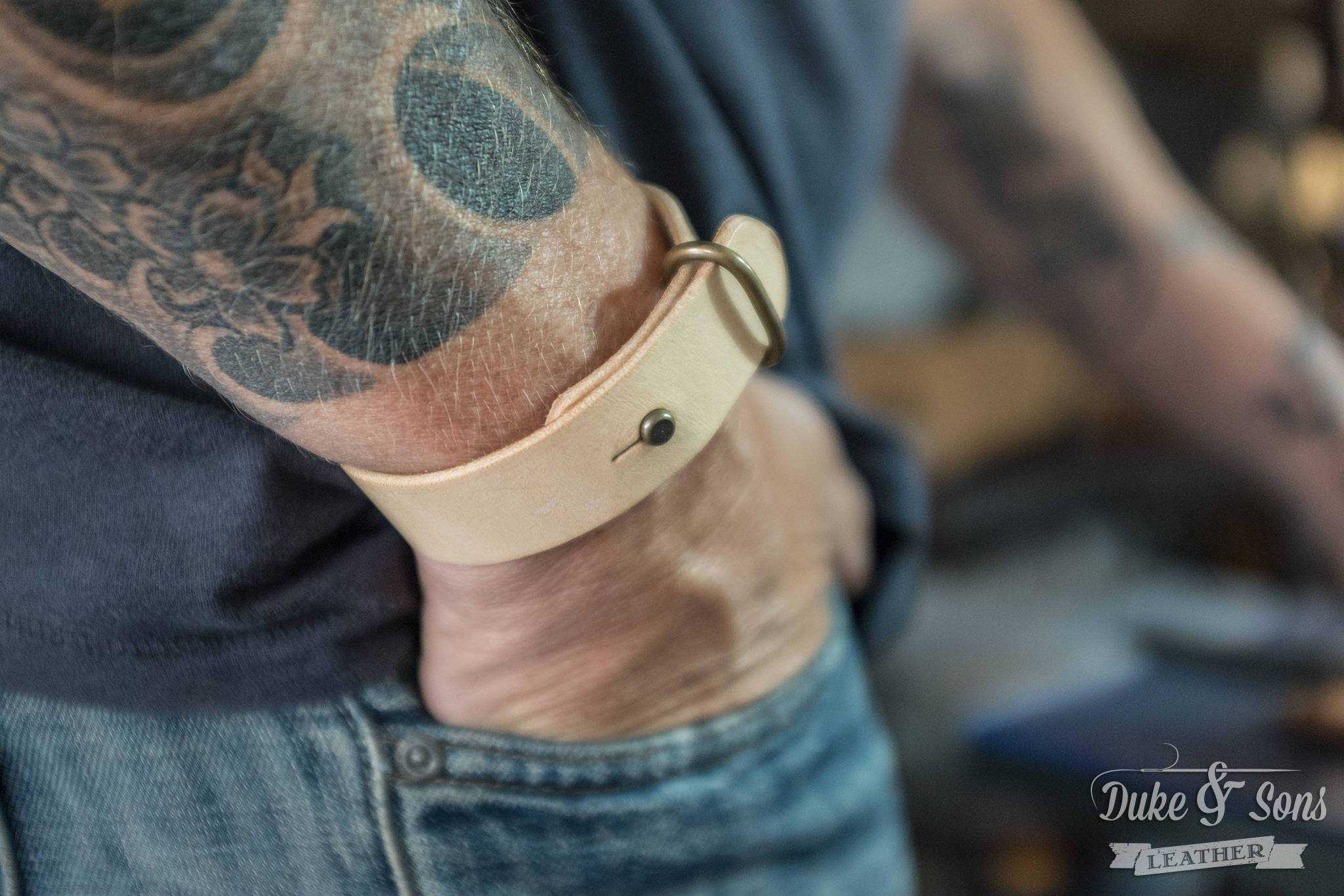 Bracelet, classic Bulls leather. | Duke & Sons Leather