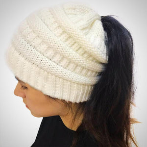 Woolly tuque for ponytail