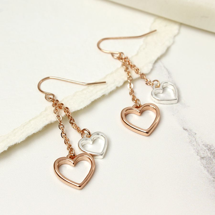 Double chain double earrings with open hearts in contrasting colours