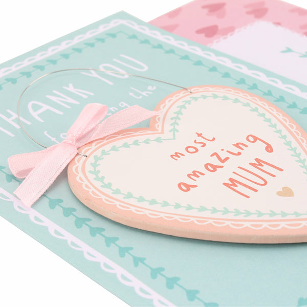 Amazing mum card close up