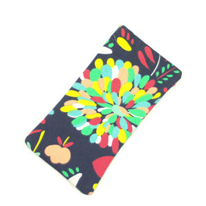 Retro dahlia print sunglasses spectacle case.