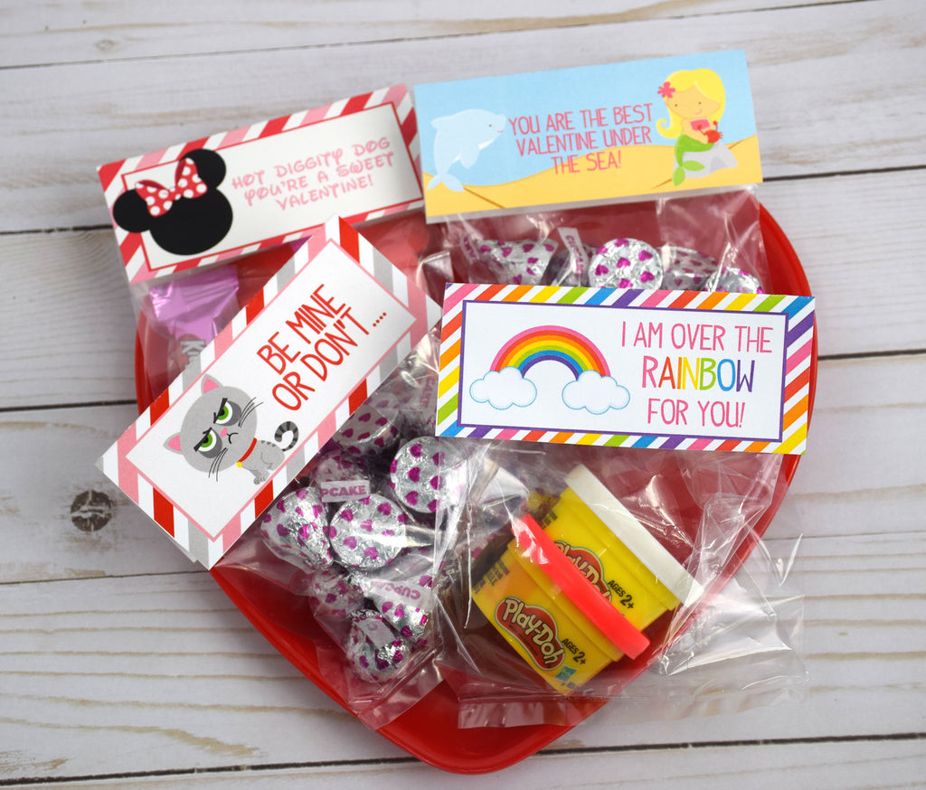 Set of 12 Kids Valentine Favor Bags & Toppers