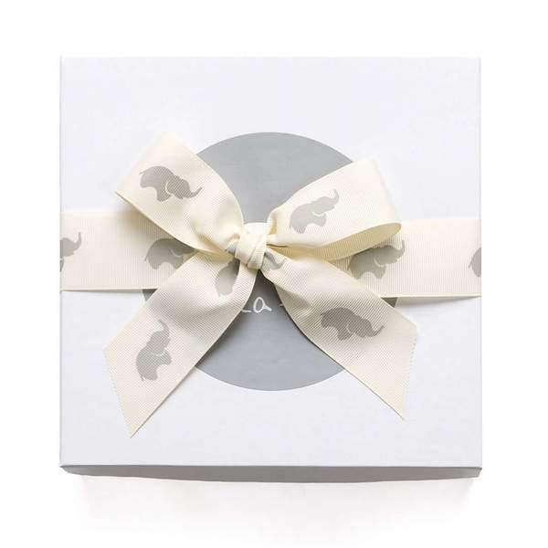 Monica + Andy:Gift Wrapping,