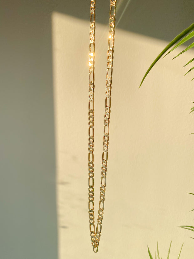 Golden links chain Luxe