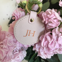 Round Keyring in Blush Pink Saffiano Leather - OLIVIA&CO.
