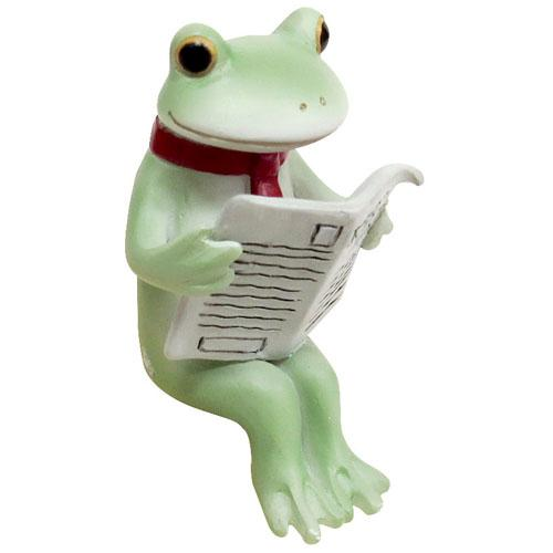 Copeau Display | 72012 | Frog Reading Newspaper (1661572775970)