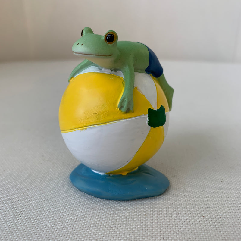 Copeau Display | 72236 | Frog on Beach Ball